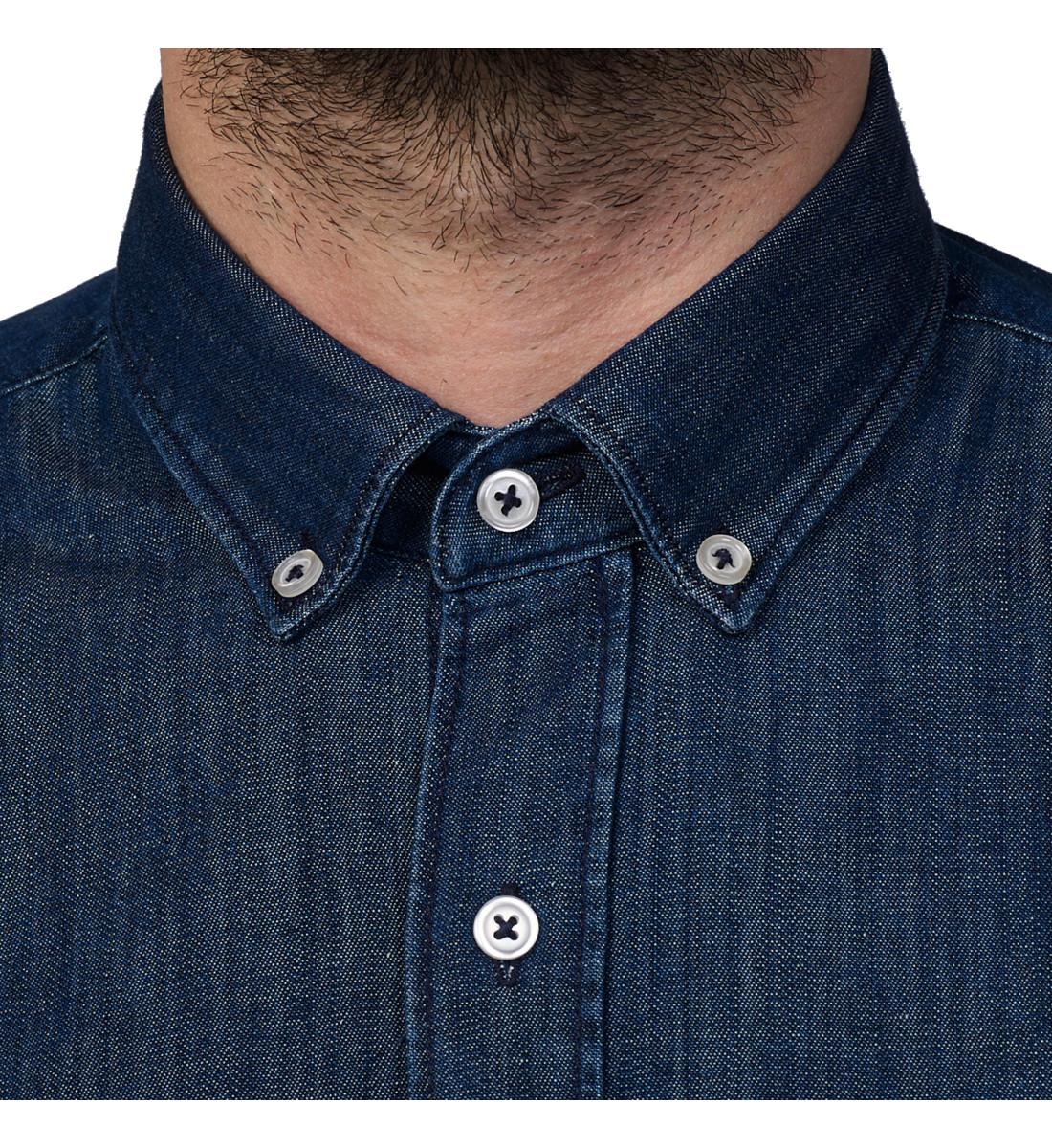 Chemise cintrée en denim col pointes boutonnées Brut