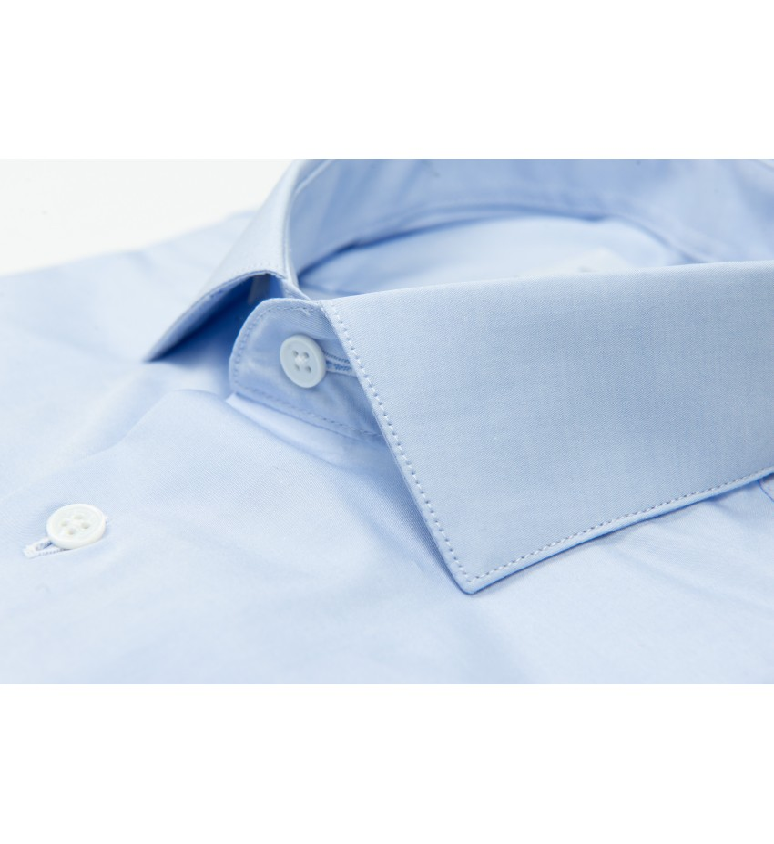 Chemise cintrée petit col italien en bleu CIEL